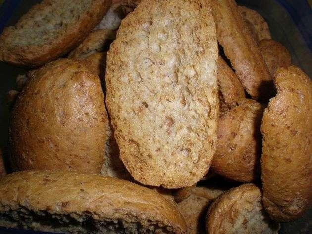 panecillos - Montaditos de paté de pollo, con verduras